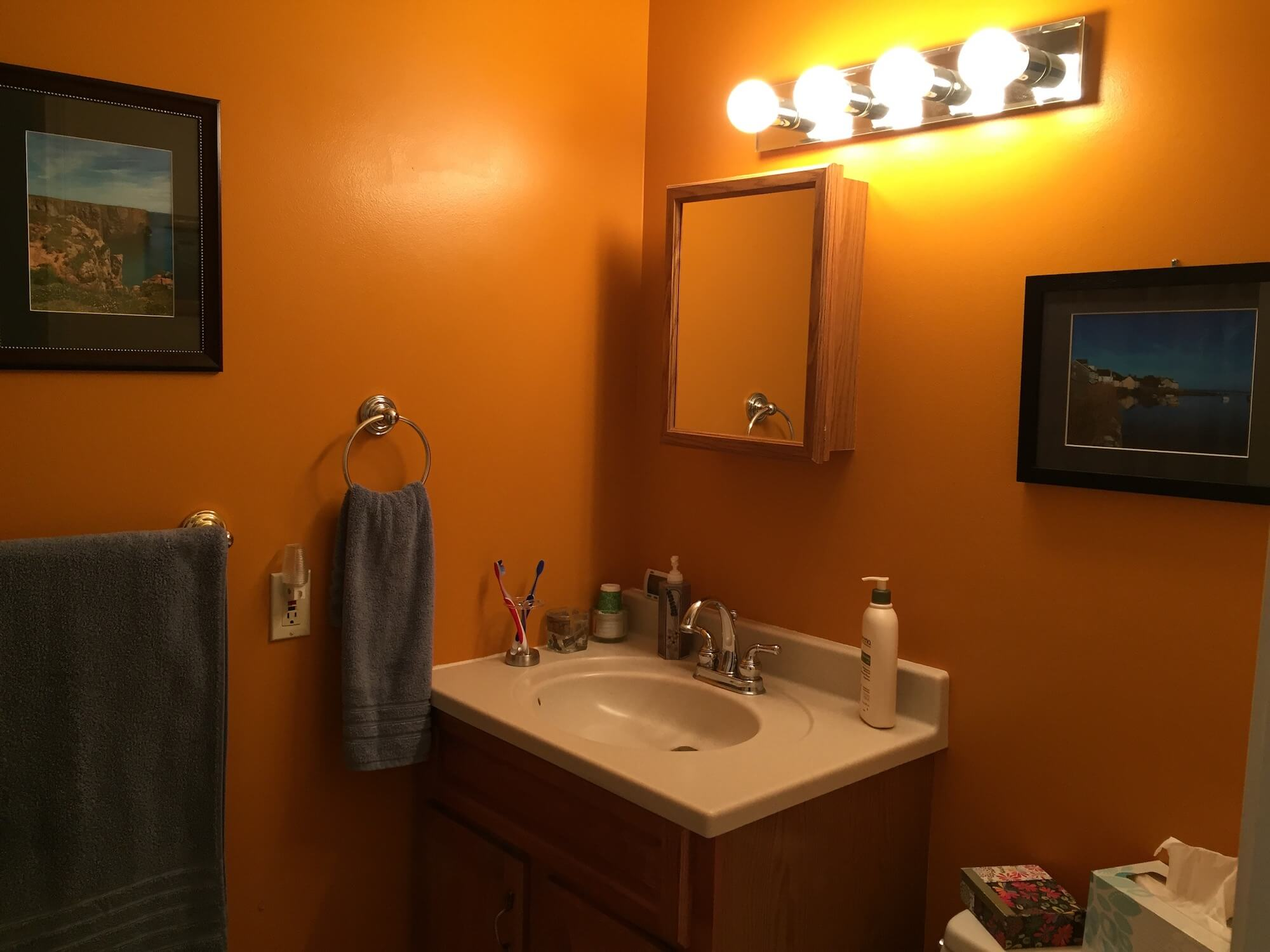 Bright bathroom colors